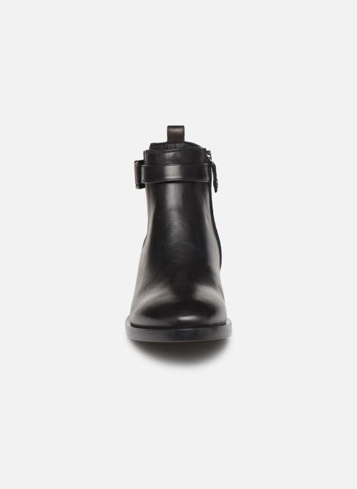 Bottines et boots Geox DONNA BROGUE 2 Noir vue portées chaussures