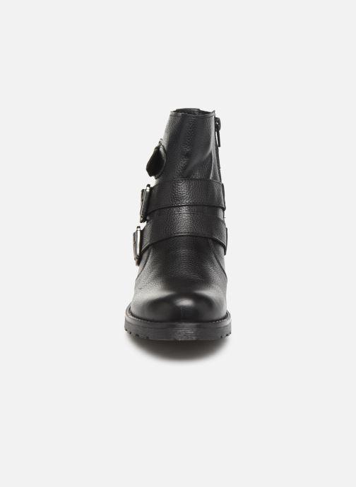 Bottines et boots Mustang shoes Kelyan Noir vue portées chaussures