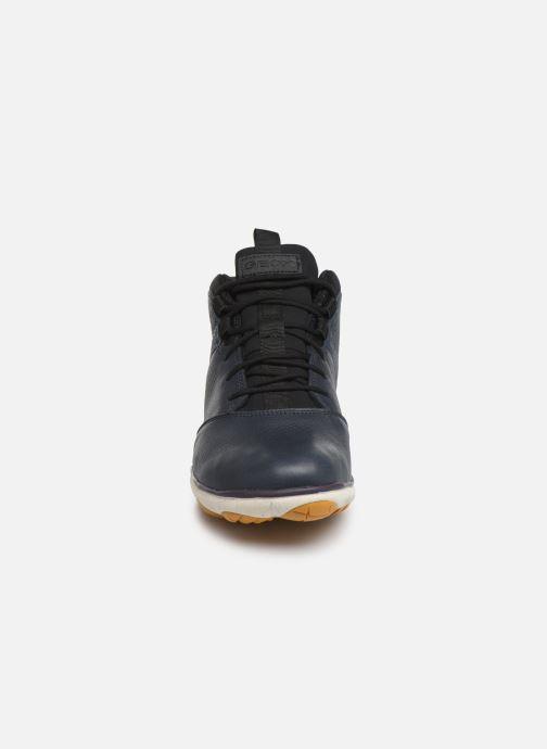 Baskets Geox U NEBULA 4 X 4 B ABX 2 Bleu vue portées chaussures