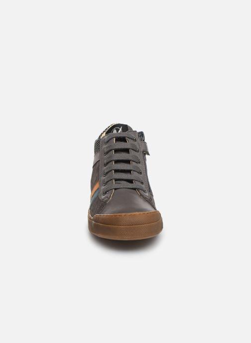 Baskets Naturino Hoorn zip Gris vue portées chaussures