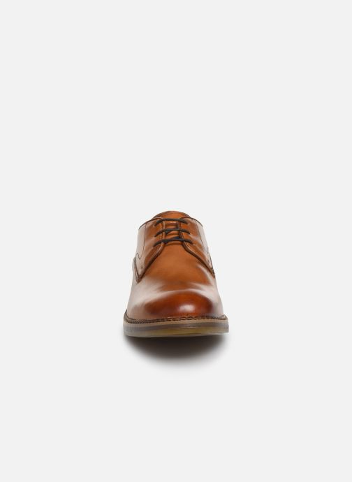 Chaussures à lacets Base London WAYNE Marron vue portées chaussures