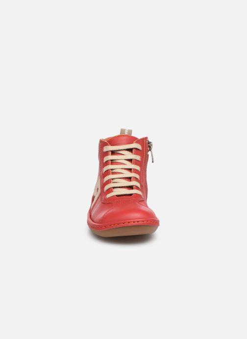Baskets Art Kio 4A-708 Rouge vue portées chaussures