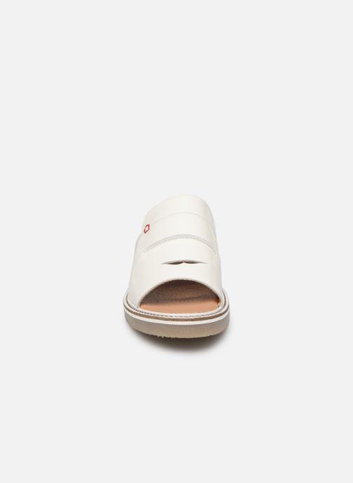 Mules et sabots Kickers Eole Blanc vue portées chaussures