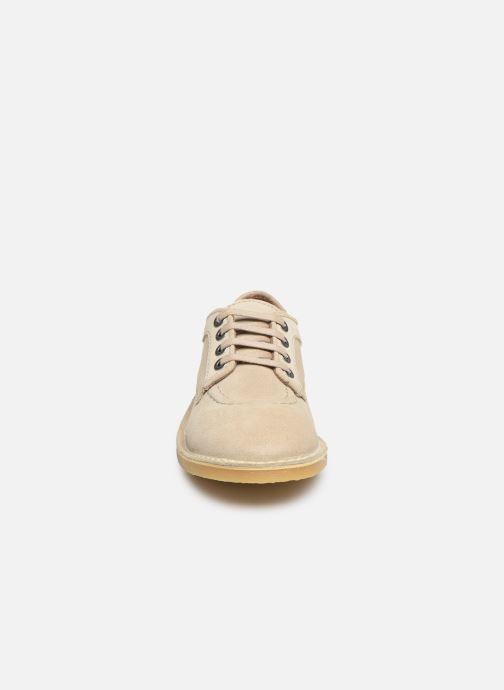 Zapatos con cordones Kickers Karma Beige vista del modelo
