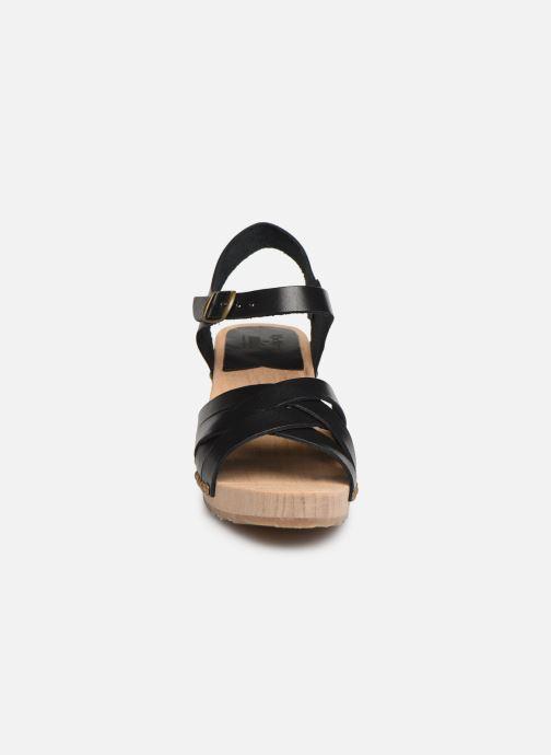 Sandali e scarpe aperte Kickers Satine Nero modello indossato