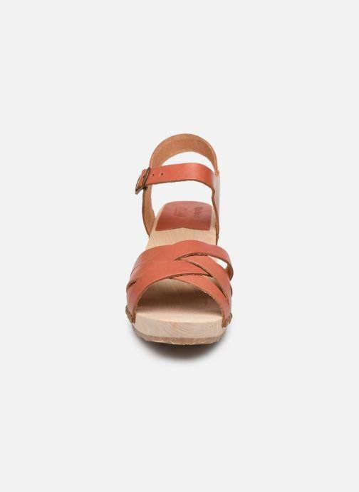 Sandales et nu-pieds Kickers Satine Marron vue portées chaussures