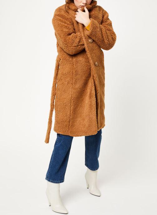 Vêtements MOSS COPENHAGEN Nola Teddy Jacket Marron vue bas / vue portée sac