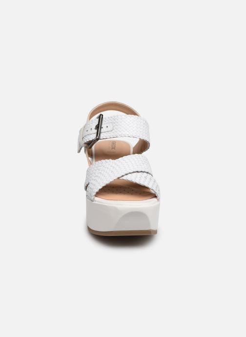 Sandales et nu-pieds Geox D ZERFIE E D92CEE Blanc vue portées chaussures