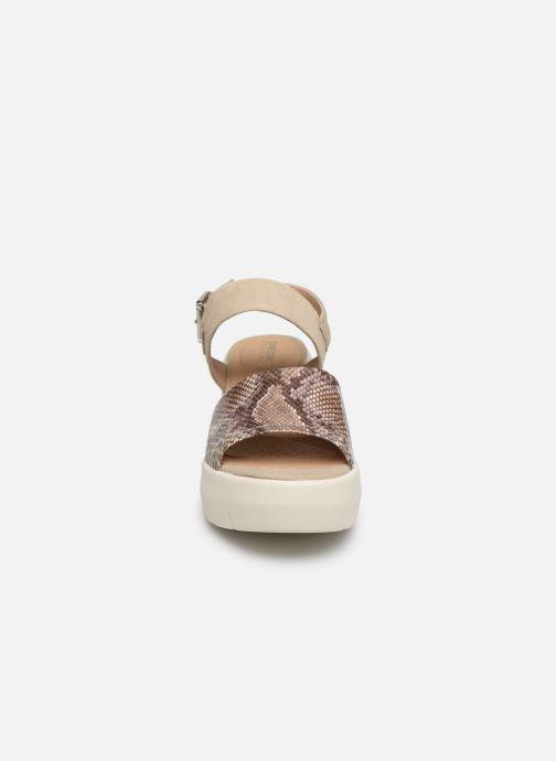 Sandali e scarpe aperte Geox D TORRENCE A D92CPA Beige modello indossato