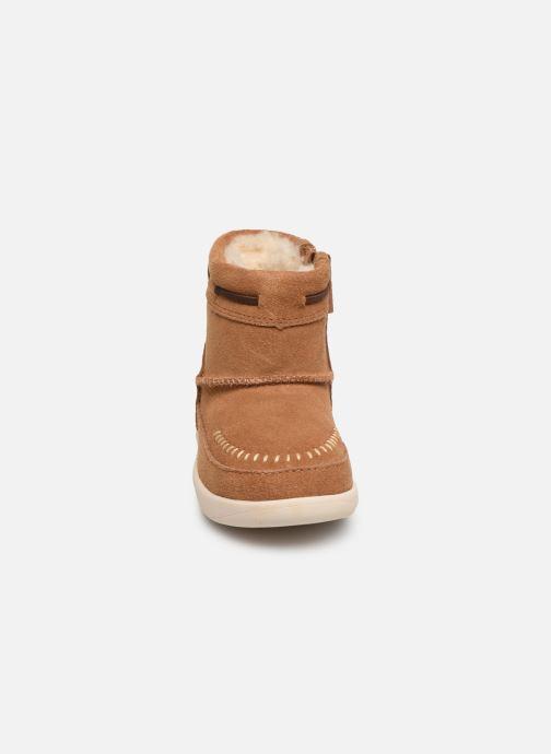 Bottes UGG T Cali Moc Campfire Marron vue portées chaussures