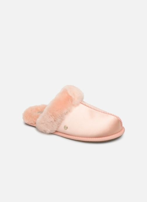 Slippers UGG W Scuffette II Satin Pink detailed view/ Pair view