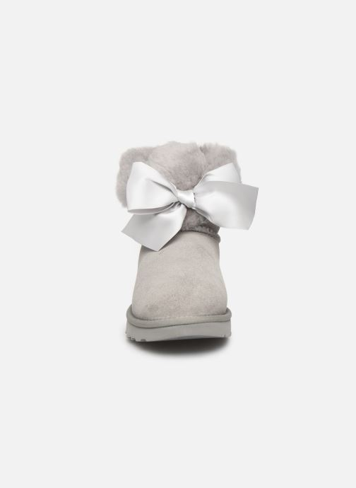 Botines  UGG W Gita Bow Mini Gris vista del modelo