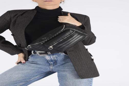 Portemonnaies & Clutches Bianco BIAJULIANE Bom bag weinrot ansicht von unten / tasche getragen