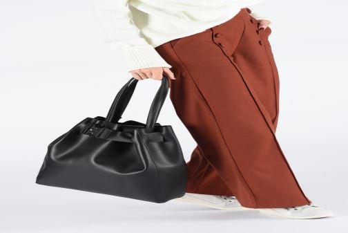 Handtaschen Bianco BIAJANICE Shopper schwarz ansicht von unten / tasche getragen