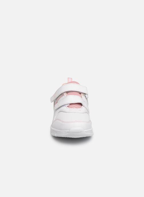 Baskets Xti 56793 Blanc vue portées chaussures