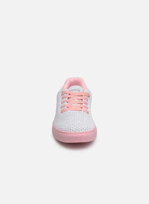 Sneakers Xti 56799 Bianco modello indossato