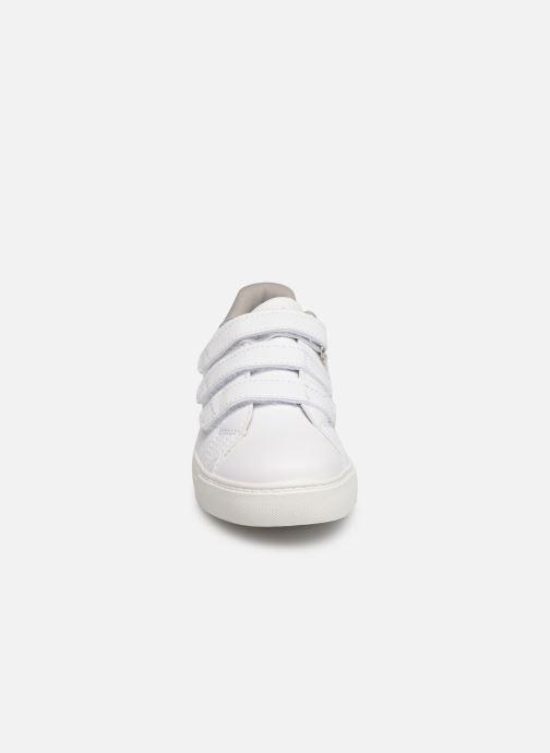 Baskets Xti 56804 Blanc vue portées chaussures