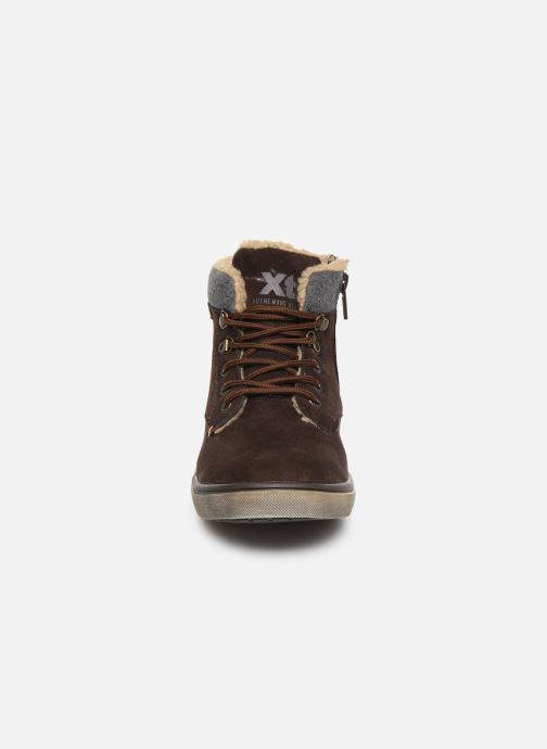 Trainers Xti 55817 Brown model view