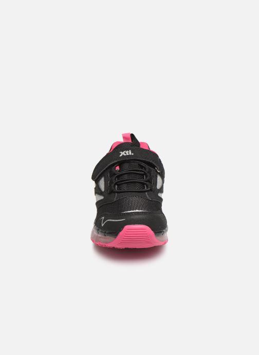 Baskets Xti 55361 Noir vue portées chaussures