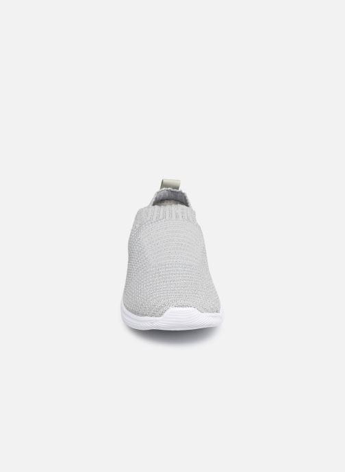Baskets Xti 56840 Argent vue portées chaussures