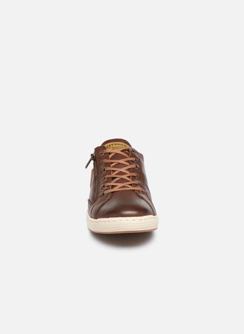 Sneaker Pataugas Jay C braun schuhe getragen
