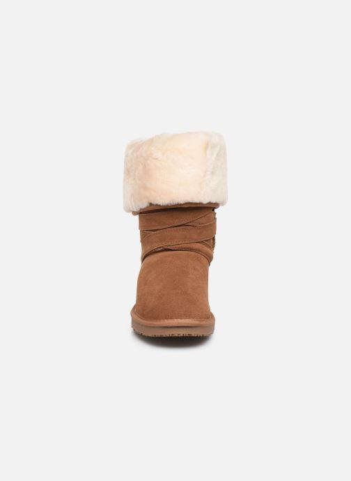 Bottes Minnetonka Ama Marron vue portées chaussures