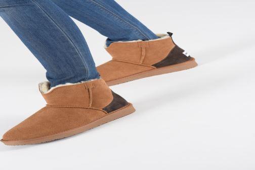 Bottines et boots Minnetonka Hateya Marron vue bas / vue portée sac