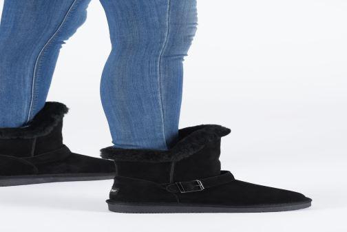 Bottines et boots Minnetonka Kachina Noir vue bas / vue portée sac