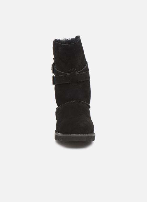 Bottes Minnetonka Munuik Waterproof Noir vue portées chaussures