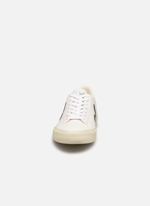 Sneakers Veja Campo W Bianco modello indossato