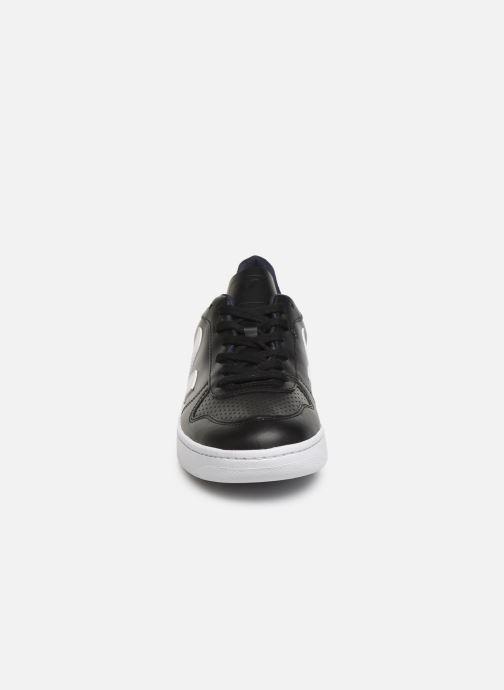 Sneaker Veja V-10 M schwarz schuhe getragen