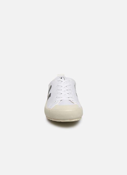 Sneakers Veja Nova Bianco modello indossato