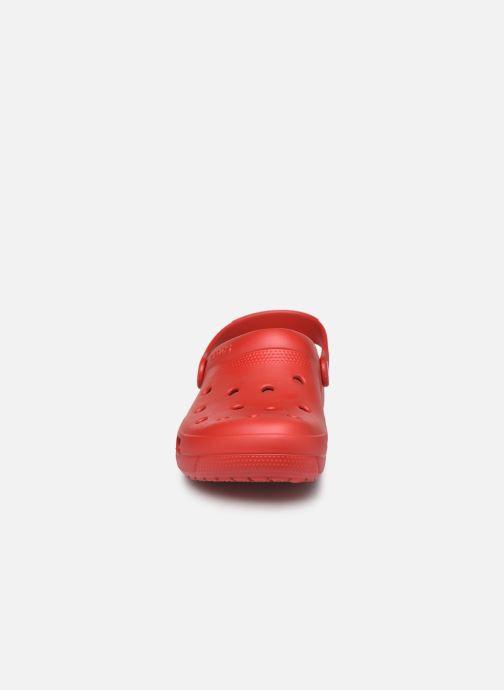 Mules et sabots Crocs Crocs Coast Clog W Rouge vue portées chaussures