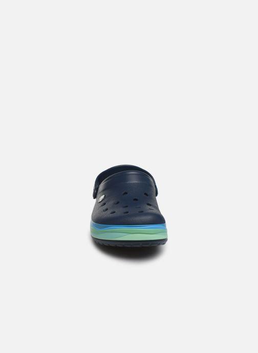 Sandali e scarpe aperte Crocs CrocbandWvyBClg Azzurro modello indossato