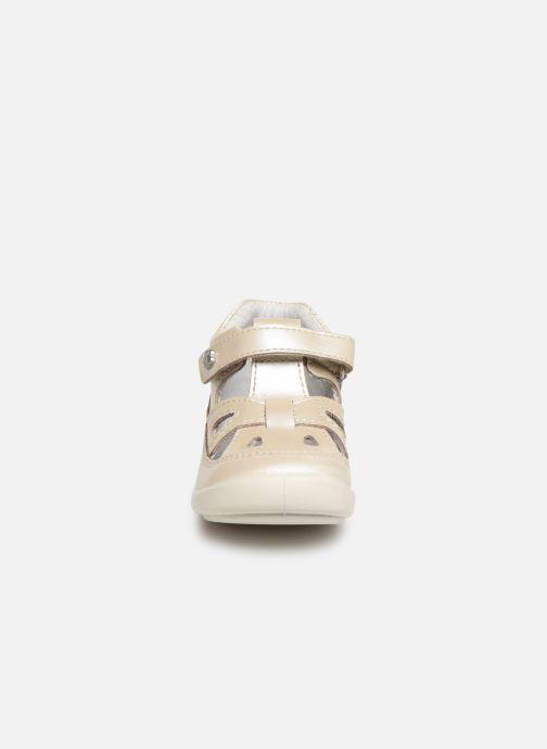 Bottines d'été Kickers Kiki Argent vue portées chaussures