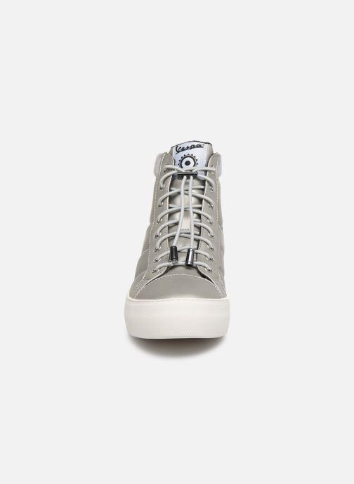Baskets Vespa Touring C Argent vue portées chaussures