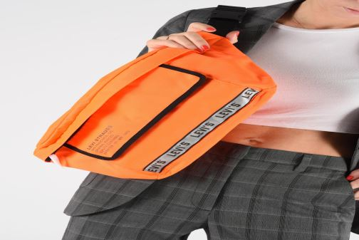 Clutch bags Levi's BIGGER BANANA SLING HI VIS Orange view from underneath / model view