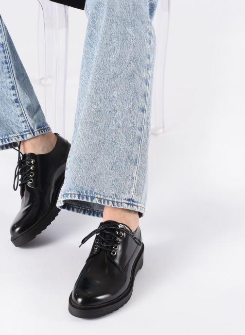 Chaussures à lacets Kickers ALDARIC Noir vue bas / vue portée sac