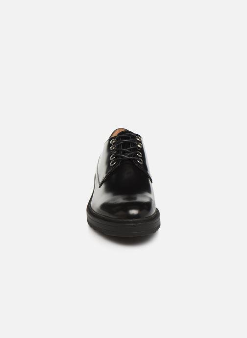 Zapatos con cordones Kickers ALDARIC Negro vista del modelo