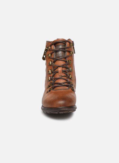 Bottines et boots Mustang shoes 5043609 Marron vue portées chaussures