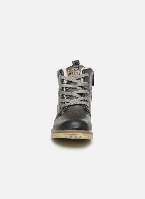Bottines et boots Mustang shoes 5051605 Gris vue portées chaussures