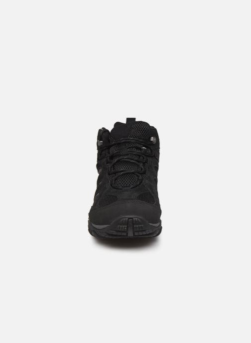 Chaussures de sport Merrell YOKOTA MID WP Noir vue portées chaussures