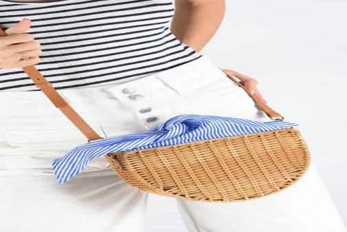 Handtaschen I Love Shoes LINEAU braun ansicht von unten / tasche getragen