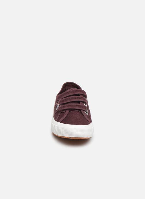 Baskets Superga 2750 Cot 3 Strapu W C Bordeaux vue portées chaussures