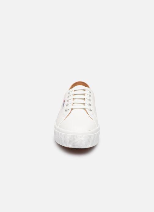 Baskets Superga 2730 Nappa Leau C Blanc vue portées chaussures