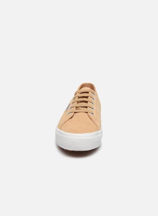 Baskets Superga 2730 Sueu C Beige vue portées chaussures