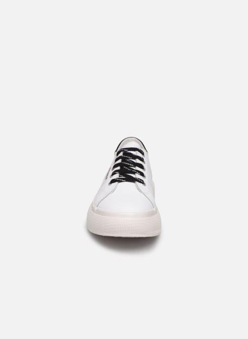 Baskets Superga 2287 Nappa Patent Ail W C Blanc vue portées chaussures