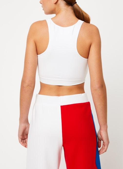 Vêtements FILA Josette Crop Top Blanc vue portées chaussures
