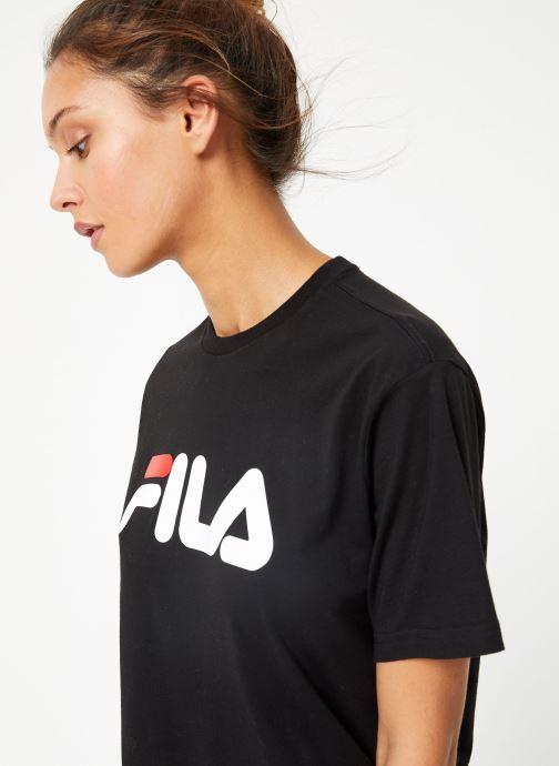 Tøj FILA Pure Short Sleeve Shirt W Sort detaljeret billede af skoene