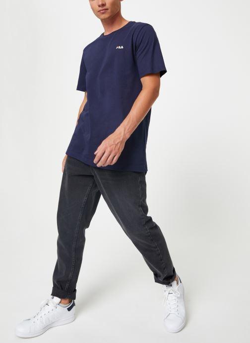 Vêtements FILA Efim t-shirt Bleu vue bas / vue portée sac